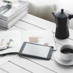 Biurko retro czy stylowy sekretarzyk do pracy w domu?